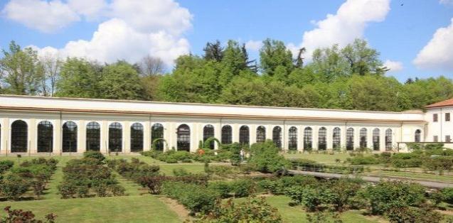 Serrone (or Orangerie)